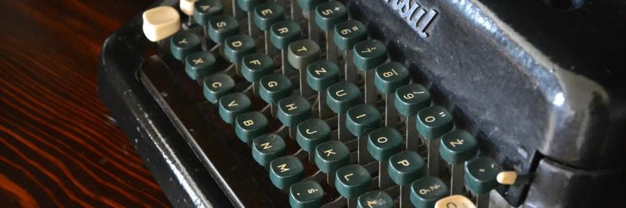 typewriter-324776_1280