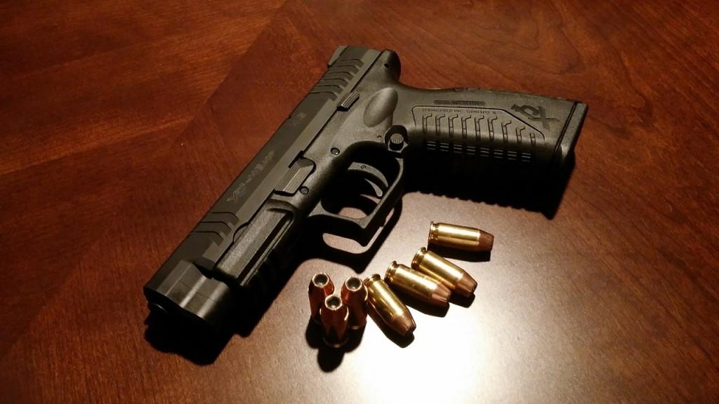 handgun-231696_1280