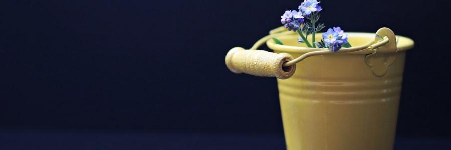 bucket-2156655_1280