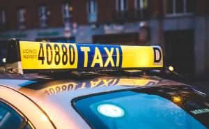 taxi-2118183_1280